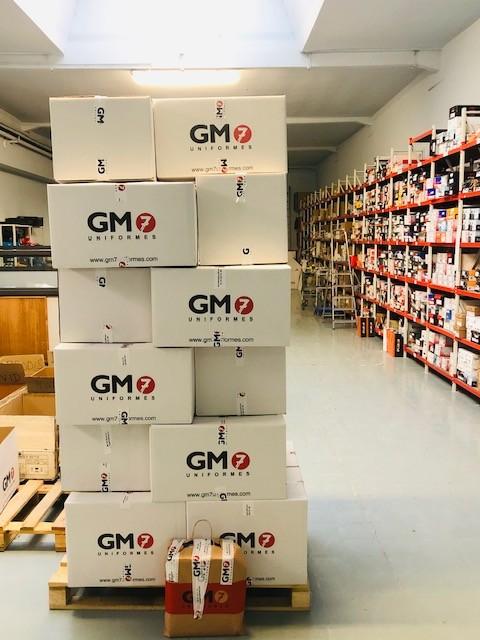GM7 Uniformes llega a un acuerdo de colaboración con la ONG «Actua Vallès» para entregarles 1.000 piezas de ropa y EPIS